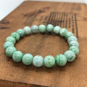 Jewelry - Natural jade bead bracelet vintage stretchy